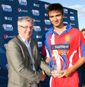 Ben Stevens receives Player of the Tournament Award from Gerry Whitsey
